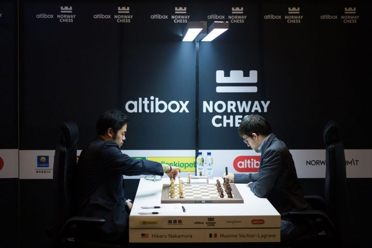 Magnus sliter under Norway Chess
